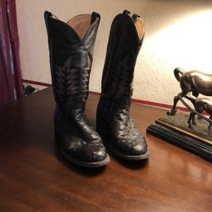 Ladies black, full quill ostrich riper boots.